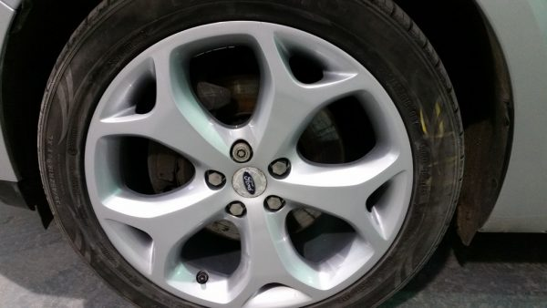 Ford S Max wing and wheel repairs