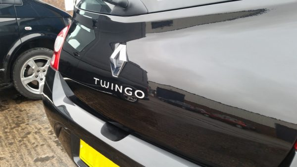 Renault Twingo Tailgate repair